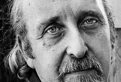 Diez poemas de Jerome Rothenberg como un grito contra la apatía de nuevo milenio