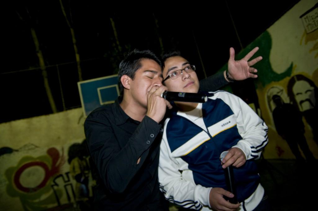 Ewor haciendo freestyle en la Santa Maria Rivera, eworevolucion@hotmail.